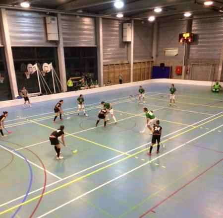Tournoi international de floorball au Centre sportif